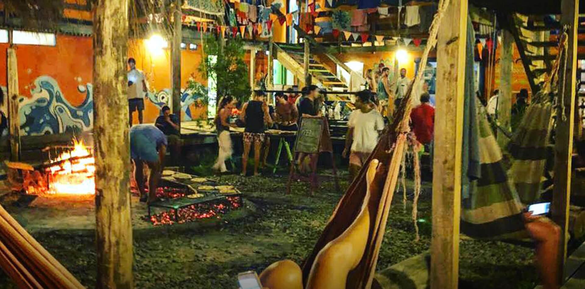 Compay Hostel Fiestas La Pedrera